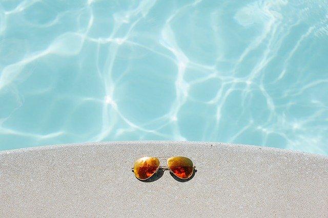 Sole e calore in piscina - MsPiscine